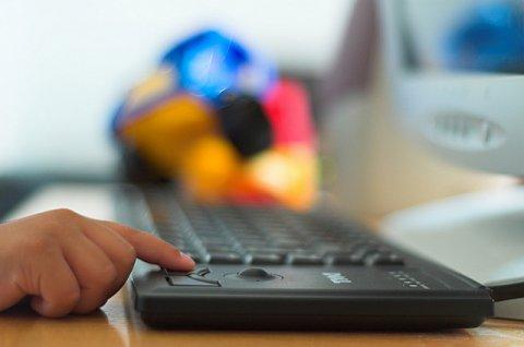 platform kinderhand toetsenbord